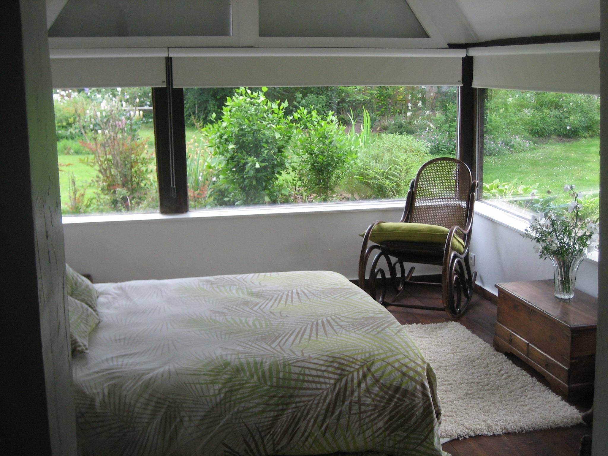 la chambre zen au vieux cadran au vieux cadran. Black Bedroom Furniture Sets. Home Design Ideas